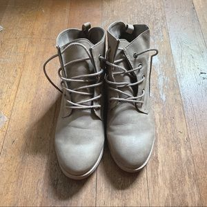 American Eagle Tan Lace Up Boots Size 7